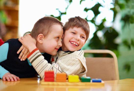 Enfants handicapés à l'école