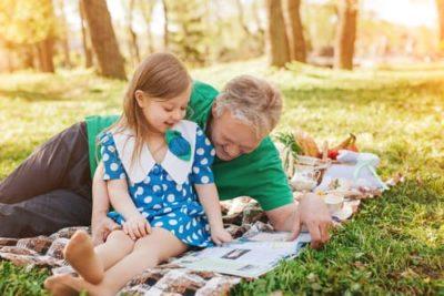 enfant-parent-lecture-magazine-400x267