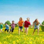 Jouer Dehors : 6 Bienfaits Quotidiens pour les Enfants