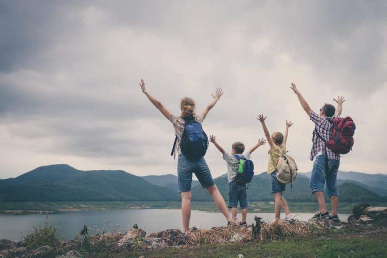 Randonnée au lac en famille