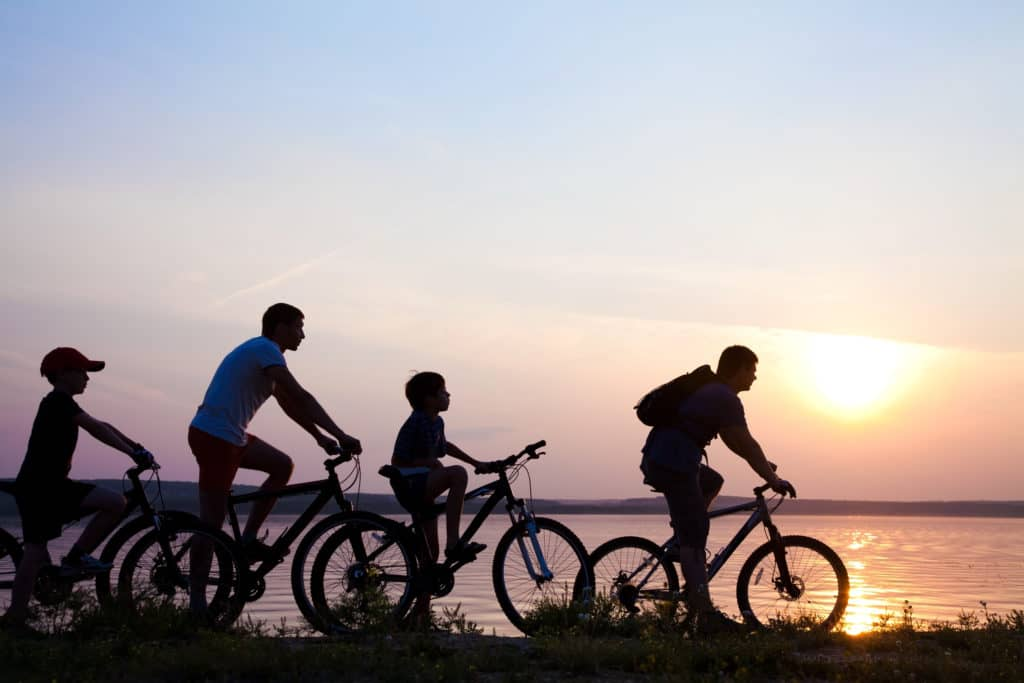 Voyager à Vélo en Famille : 5 Conseils pour Partir sans Stress