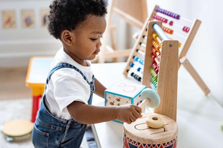 Jouets en bois pour enfants pour limiter les déchets