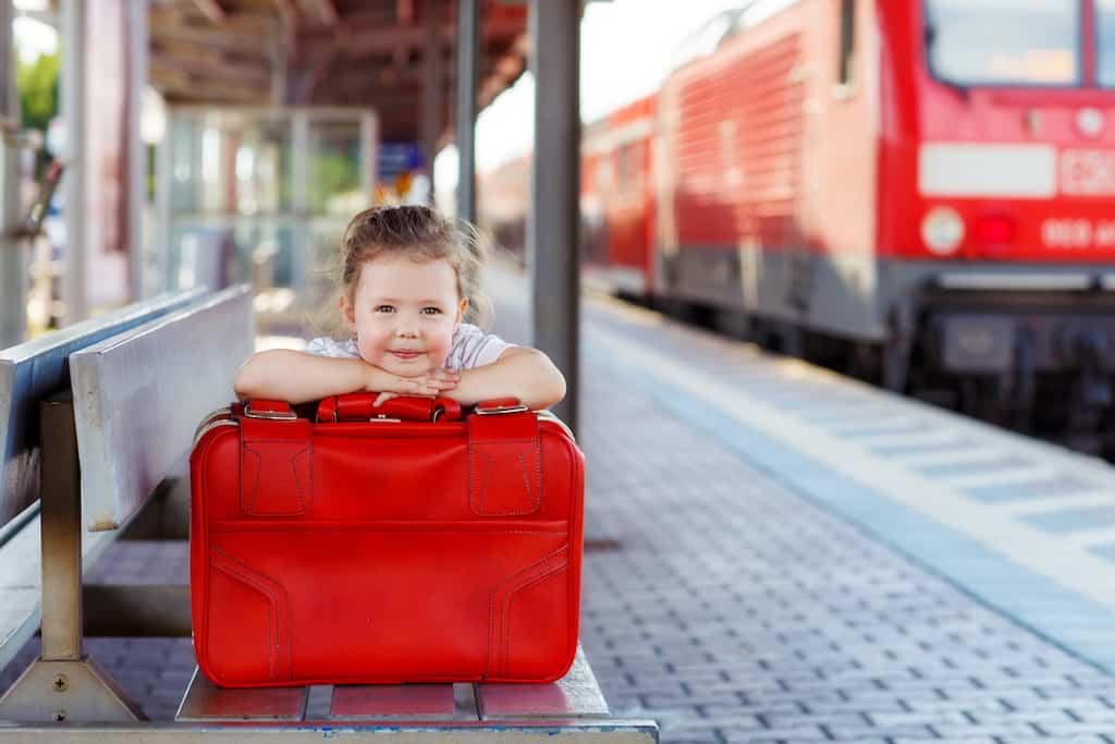 Voyager en Train avec des Enfants : 8 idées pour un trajet serein